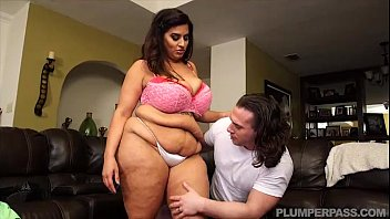 giant-chested latina cougar sofia rose nails strung up dude