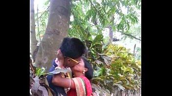 desi marathi smooch