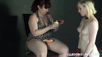 g/g feet eating and foot predominance of lezdomme.