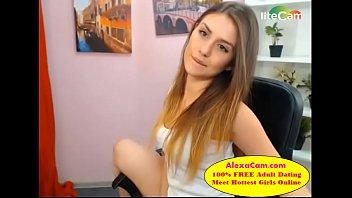 desi brit mix up indian teenage doing webcam.