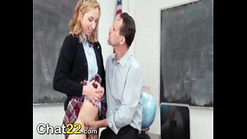 profesor abusa de su estudiante a cambio de.