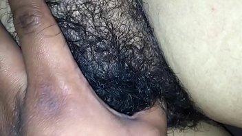 esposa dormida manoseada por amigo parte.