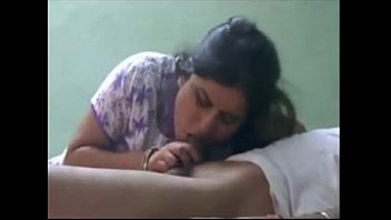 nice indian bhabhi fellating paramour pecker.