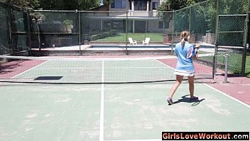 woman plow on tennis court with fabulous tennis micro-skirt