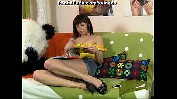 killer dame screws with hilarious panda