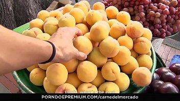 carne del mercado - colombiana hermosa y tetona.