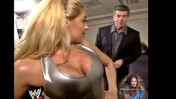 the 2 bests divas ever in the wwe.
