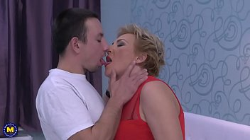 ultra-kinky housewife banging and gargling