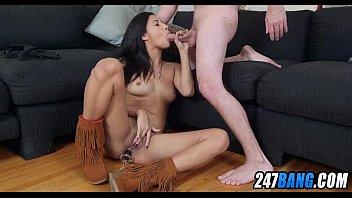 supah-sexy latina amteur with puny orbs.