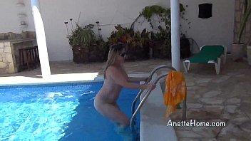 baise a la piscine avec duo unexperienced francais.