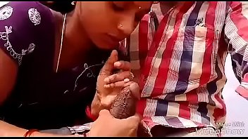 desi telugu bhabhi daring oral job in beach.