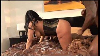 black hottie gets her orgasmic cunny.