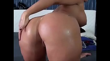 ash-blonde cougar frigs her raw slit - observe.