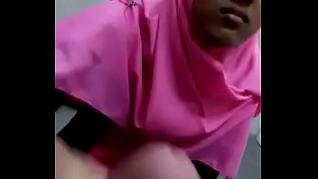 gadis jilbab rosy kena rayuan.