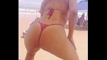 gostosinhas danccedil_ando na praia