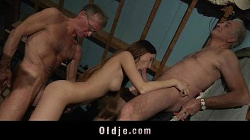 elderly folks booty-smash poking youthfull blond gal until drizzling