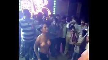 indian tamil ladies bare on street movie pinch.