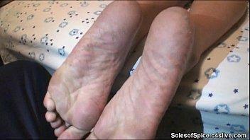 supah fantastic high arched redboned feet.