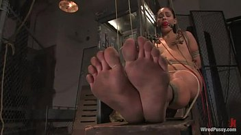 princess donna dolore electro tormenting her.