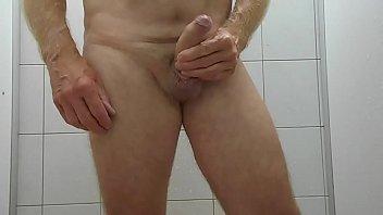onanism dans les douches